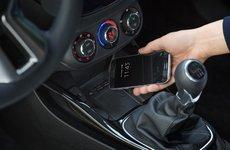 Pháp cấm sử dụng di động trên xe ô tô, kể cả khi đã tấp vào lề
