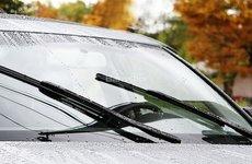 Cách chọn cần gạt nước phù hợp cho xe ô tô