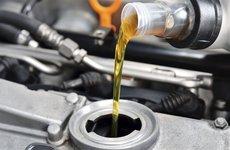 5 lưu ý giúp thay dầu xe hơi đúng cách