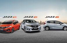 So sánh hình ảnh chi tiết Honda Jazz 2018 và Toyota Yaris tại Việt Nam