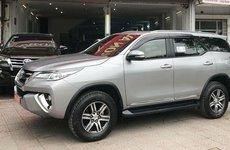 Khan hàng, Toyota Fortuner đời cũ lướt giá đắt hơn hàng trăm triệu so với xe mới