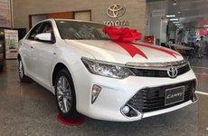 Toyota Camry tăng giá 8 triệu đồng vì thêm màu mới