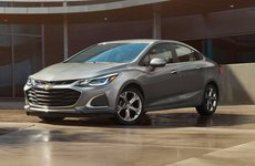 Chevrolet Cruze giảm sản lượng sản xuất do mức cầu thấp