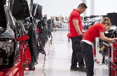 Tesla phục vụ khách hàng siêu tồi