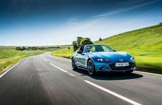 Mazda MX-5 RF Sport Black Edition giới hạn 300 chiếc, giá gần 800 triệu đồng