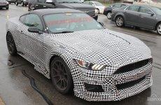 Ford Mustang Shelby GT500 2020 lộ dáng với hộp số tự động