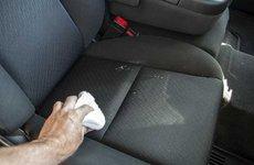 Cách làm sạch ghế nỉ xe ô tô tại nhà