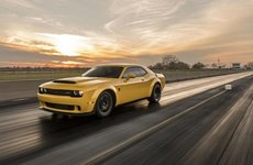Dodge Challenger SRT Demon sở hữu sức mạnh ''điên rồ'' vượt mức 1.000 mã lực