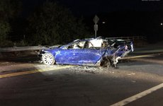 Ký sự xe điện: Tesla Model S tiếp tục gặp tai nạn