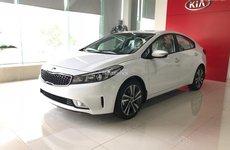 Kia Cerato SMT và Hyundai Accent - Xe chạy dịch vụ giá lăn bánh chưa đến 600 triệu
