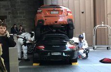 Sự cố không ngờ khi để người khác lái xe Porsche 911