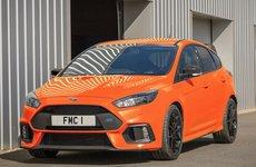 Chỉ trong 30 phút ra mắt, 50 xe Ford Focus RS Heritage Edition đã cháy hàng