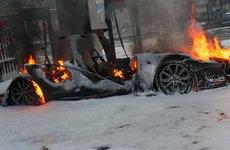 Điều cần biết về cháy nổ giữa xe xăng và xe điện