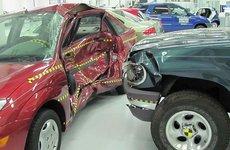Thử nghiệm an toàn khi va chạm: Kia Sorento hơn hẳn Ford Explorer