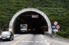 Lái xe ô tô qua hầm đường bộ cần lưu ý những gì để không bị phạt
