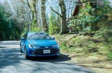Toyota Corolla Sport 2018 có giá bao nhiêu?