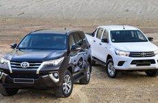 Toyota Fortuner và Hilux tăng giá cả chục triệu đồng, có thêm trang bị gì?