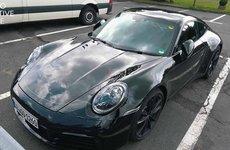 Cận cảnh Porsche 911 Carrera 4S chinh phục đường đua