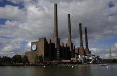 Nhà máy Volkswagen ngừng hoạt động, sơ tán nghìn người vì phát hiện bom