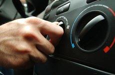 Thói quen xấu của nhiều tài xế: bật điều hòa ngay khi vào xe và chĩa thẳng vào người