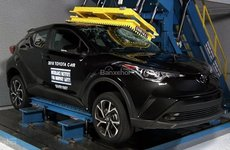 Toyota C-HR 2018 để vụt mất chứng nhận mẫu xe an toàn tuyệt đỉnh