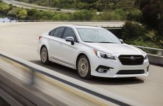 Top 10 sedan cỡ trung an toàn nhất năm 2018: Subaru Legacy đứng ở vị trí thứ 1