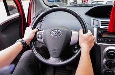 Thói quen xấu của tài xế khiến vô-lăng bị khóa chặt