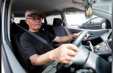 Già hóa dân số tại Nhật Bản: Xe mini thu hút người cao tuổi