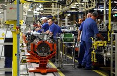 Ford đóng cửa dây chuyền sản xuất động cơ Bridgend trong năm ngày