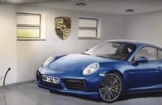 Fan cuồng Porsche 911 tự vẽ tranh 3D trong garage để thỏa cơn 'nghiền' xe