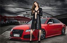 Audi A7 RS bên cạnh người đẹp nóng bỏng
