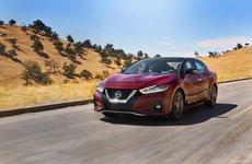 Nissan Maxima 2019 trao tay với giá từ 793 triệu