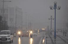 Kinh nghiệm lái xe ô tô an toàn trong thời tiết mưa rét