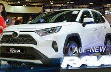 Toyota RAV4 2019 giá 2,05 tỷ đồng cập bến Đông Nam Á, khách Việt phát thèm