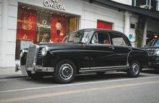 Chiêm ngưỡng xế cổ Mercedes-Benz 190 hơn 50 năm vẫn chạy tốt tại Việt Nam