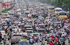 Người Việt luôn mơ ô tô giá rẻ nhưng lại kêu than khi tắc đường