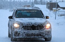 Phát hiện Mercedes-AMG GLB35 2020 chạy thử giữa trời đông lạnh giá
