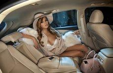 Bộ ảnh 'nội thất' mỹ nữ và siêu xe để tri ân khách hàng của TransTechService