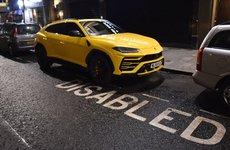 Sao Liverpool nhận chỉ trích do đỗ siêu xe Lamborghini Urus vào chỗ của người khuyết tật