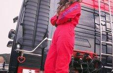 Ngất ngây ngắm nữ tài xế nóng bỏng nhất Nhật Bản