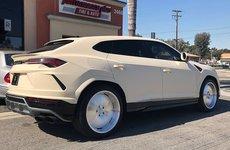 Lamborghini Urus của ca sĩ Kanye West được độ lại đến kỳ lạ