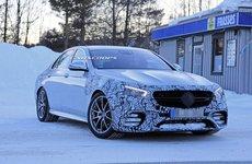 Mercedes-AMG E63 2020 chạy thử với động cơ V8 mạnh mẽ