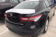 Toyota Camry 2019 về tới đại lý, giá cao hơn đời cũ