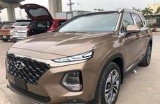 Khách hàng sắp sửa đón Hyundai Santa Fe 2019 'full option' về tay