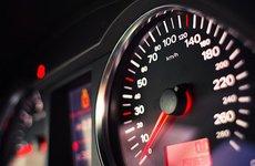 Xe Châu Âu sẽ bắt buộc lắp đặt giới hạn tốc độ từ năm 2022