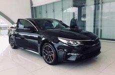 Nghịch lý: Kia Optima 2019 mới đã về đại lý, giá xe hiện hành âm thầm tăng?