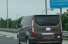 Bắt gặp Ford Tourneo chạy thử tại Việt Nam, chuẩn bị ra mắt?