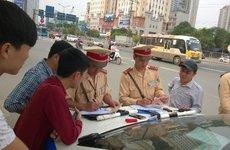 CSGT mặc thường phục có được xử phạt người tham gia giao thông?