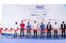 Sáng nay, Hội chợ Oto.com.vn lần đầu tiên chính thức khai mạc tại Sân vận động Quân khu 7