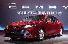 Giảm 67 triệu đồng, Toyota Camry 2019 tại Việt Nam vẫn đắt hơn Thái Lan và bị cắt nhiều trang bị